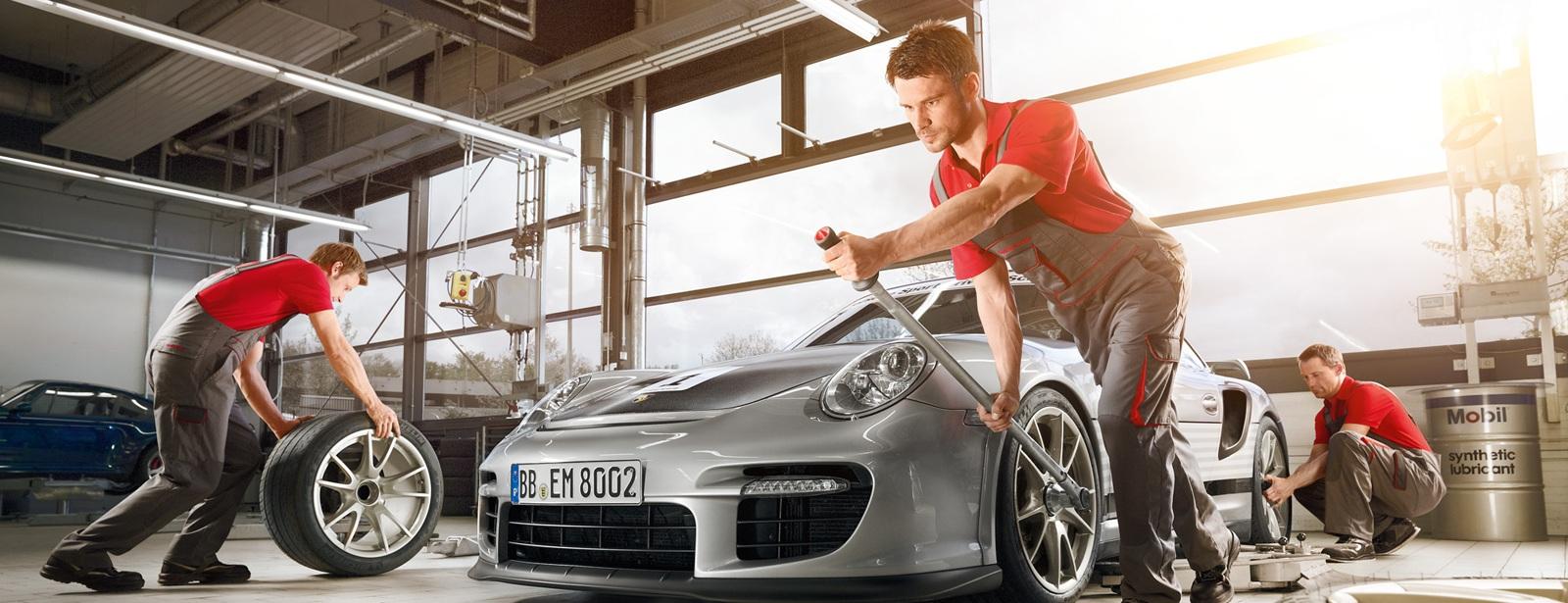 Porsche Service   Serviceangebote   Porsche Race Check